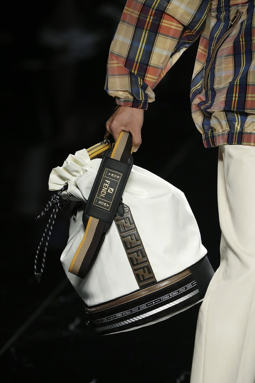 fendi17_jpg_4752_north_499x_white